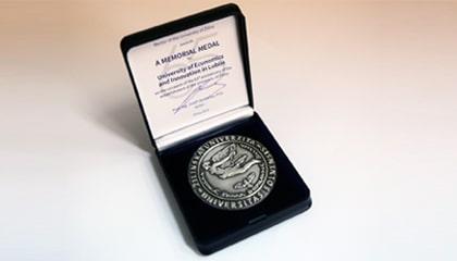 Medal wyróżniający od słowackiego Uniwersytetu w Žiline