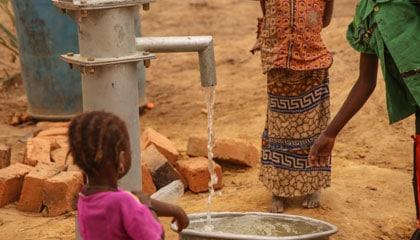 Budujemy studnię w Czadzie