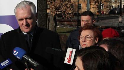 Spotkanie z Wicepremierem Jarosławem Gowinem na Placu Litewskim